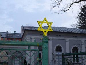 Mahnwache vor der Salzburger Synagoge