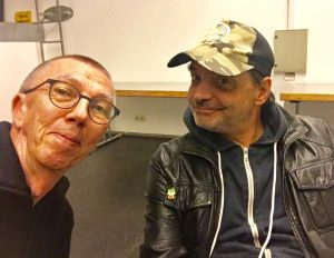 Robert Herbe und Didi Neidhart lächeln Richtung Kamera