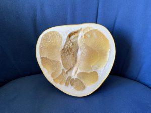 In der Hälfte durchgeschnittene pomelo